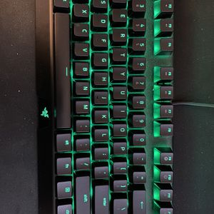 Razer Black widow X TE Edition chroma for Sale in Farmington Hills, MI