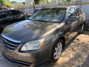 2006 Toyota Avalon- PARTS for Sale in Houston, TX