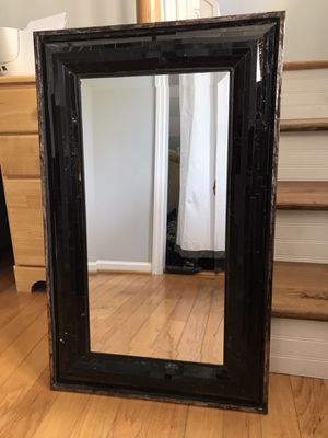 Mirror w/ Black Frame for Sale in Mount Pleasant, SC