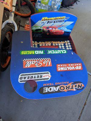 Toddler desk for Sale in Avondale, AZ