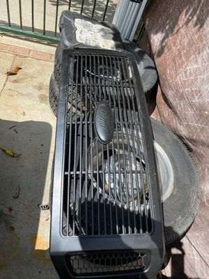 06 ford f350 grille for Sale in Riverside, CA