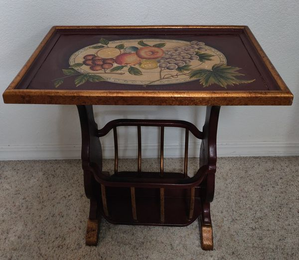 HAND -PAINTED WOOD TABLE