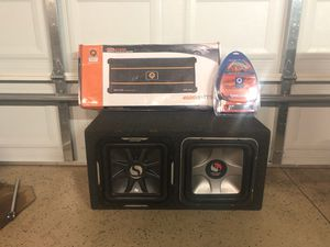 2 12 Kicker L7s w/ car amp bass and 0 gauge wires for Sale in Chicago, IL