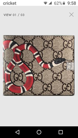 "GUCCI ""Coral Supreme"" Men's wallet for Sale in Las Vegas, NV"