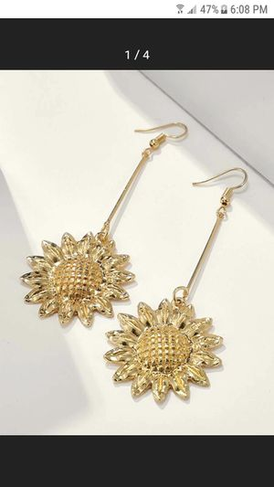 New sunflower earrings $3 for Sale in Compton, CA