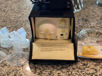 Breast pump- Medela Pump In Style for Sale in Port St. Lucie,  FL