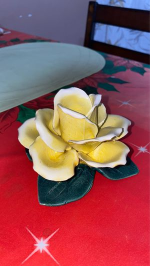 Capodimonte rose for Sale in San Diego, CA