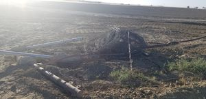 Barbed wire and metal post for Sale in Fresno, CA