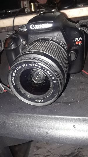 Canon eos rebel t3 with zoom lens and charger for Sale in Philadelphia, PA