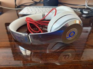 Limited Edition Beats by Dre headphones (wired) for Sale in Cleveland, OH