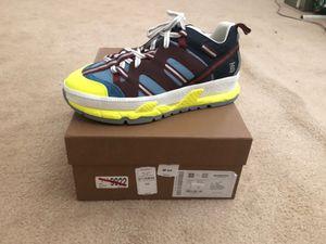 Burberry Sneakers ( Brand New). Never worn for Sale in Hemet, CA