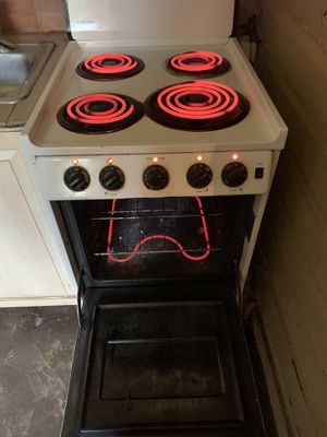 GE mini stove for Sale in Tampa, FL