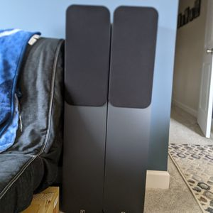 2017 Q Acoustics 3050 Floorstanding Speakers for Sale in Gloucester Point, VA