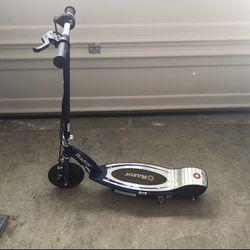 E125 Razor Scooter for Sale in Monrovia,  MD