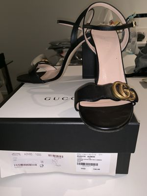 Gucci Leather Sandals With Double G for Sale in Miami, FL