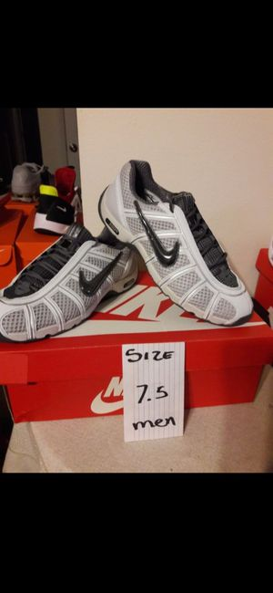 NIKE SIZE 7 FOR MEN for Sale in Highland, CA