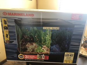 Marineland 20g Fish Tank for Sale in Fresno, CA