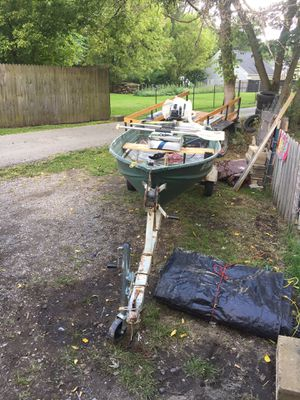 12 boat with trailer for Sale in Mansfield, OH