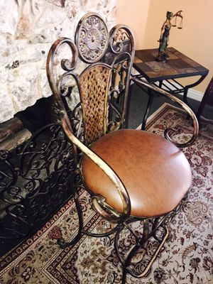 Antique Chairs for Sale in Las Vegas, NV