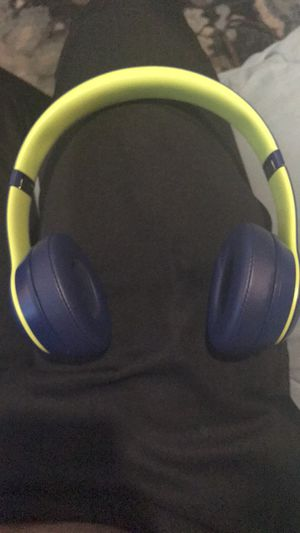Beats by dre solo 3 wireless for Sale in Verona, PA