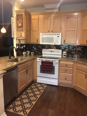 GE Oven and Microwave for Sale in Wimauma, FL