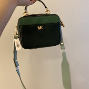 New)Michael Kors small bag for Sale in McLean, VA