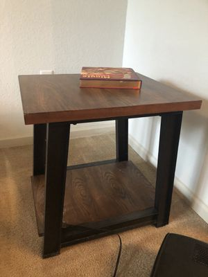 Side table for Sale in Delray Beach, FL
