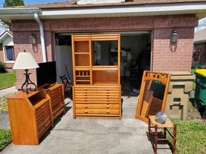 6 piece bedroom set, including Cast Iron Lamp and speaker for Sale in BVL, FL