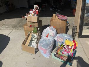 Free charity pickup. Kids clothes and toys for Sale in Spring Valley, CA