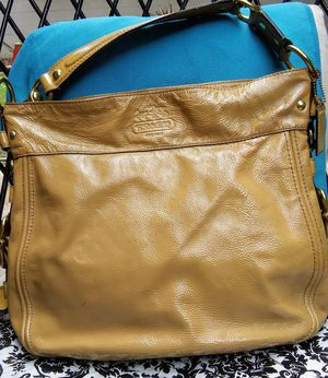 Authentic Coach handbag for Sale in Tulsa, OK