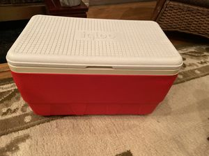 Igloo Red Cooler for Sale in Los Angeles, CA