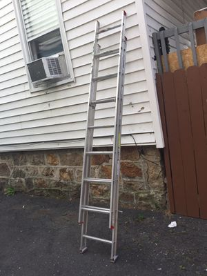 16 feet aluminum extension ladder for Sale in Greenwich, CT