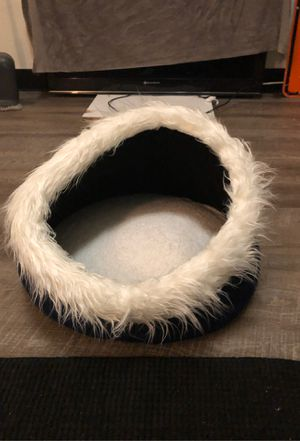 Cat cavern bed brand new never used for Sale in Los Angeles, CA