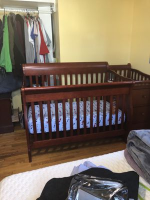 Baby crib for Sale in Aspen Hill, MD