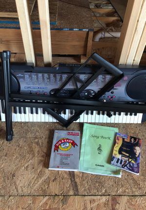 Casio keyboard with stand for Sale in Wilson, NC