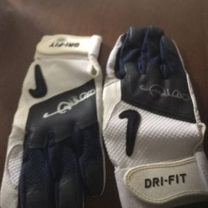 Gary Sheffield Autographed Baseball Batting Gloves COA for Sale in Cranberry Township, PA