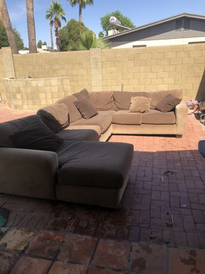 3 piece sectional couch for Sale in Scottsdale, AZ