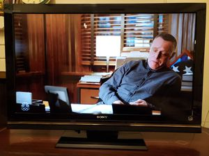 Sony Bravia 40 Inch TV HDTV With Remote for Sale in Artesia, CA
