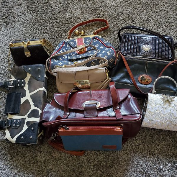 different purses, no name brands, will not mail