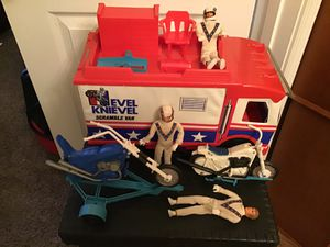 RARE 1070's EVIL KNIEVEL VINTAGE BLUE CHOPPER—SCRAMBLE VAN-3 figures- damaged white cycle for Sale in Nashville, TN