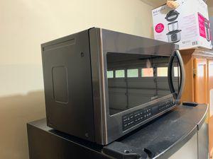 Samsung Microwave Black Stainless steel for Sale in Auburn, WA
