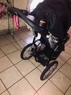 Baby Trend Car seat and stroller for Sale in Houston, TX