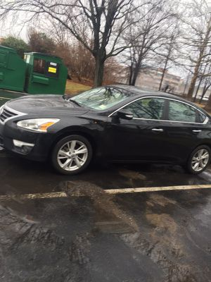 2013 Nissan Altima SL leather , Sunroof, Remote Start , keyless entry for Sale in Gaithersburg, MD
