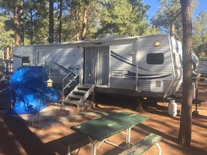 2005 Forrest river 40 foot travel trailer. Bumper pull for Sale in Phoenix, AZ