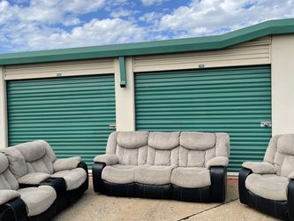 Great Reclining Couch Set - Free Delivery for Sale in Dallas,  TX
