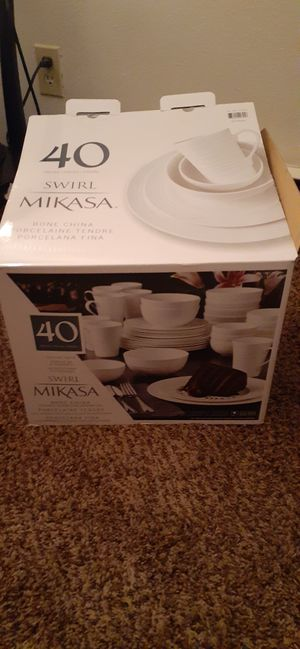 Mikasa 40 piece Dish Set. Brand New! Never used! for Sale in Richland, WA