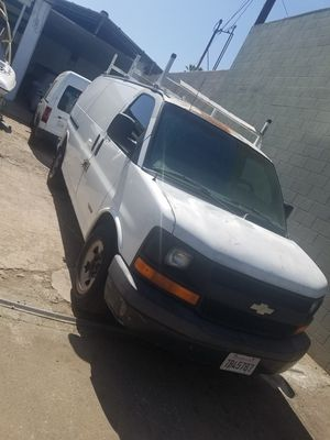 03 chevy Express ls 5.3 for Sale in Los Angeles, CA