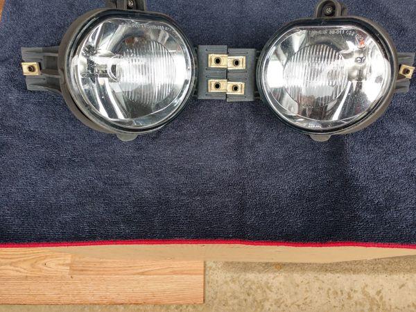 2003 - 2007 RAM 1500 FOG LIGHTS WITH MOUNTING BRACKETS & BULBS