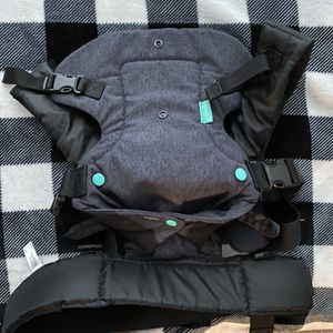 4-1 Convertible Baby Carrier for Sale in Kissimmee, FL
