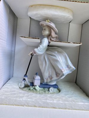 "Lladro ""On The Go"" (B 06031) 